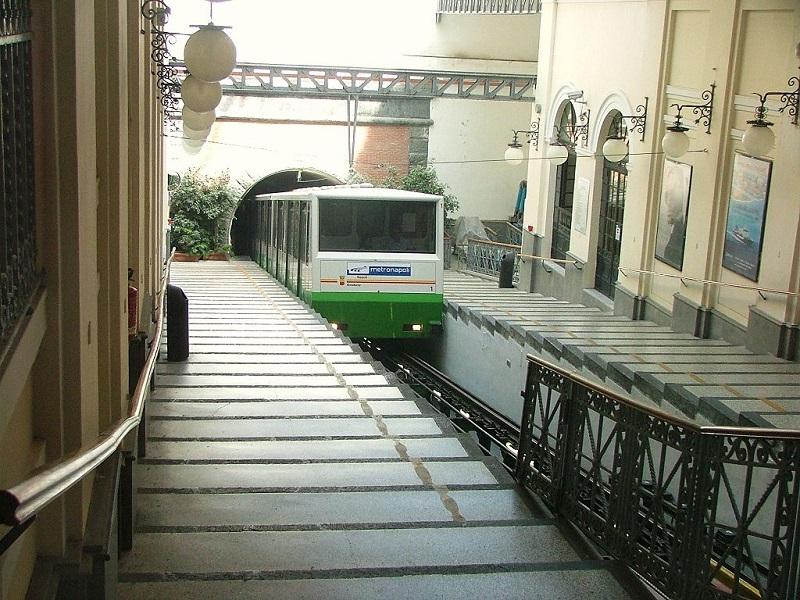 Funicolare_Centrale_di_Napoli_2