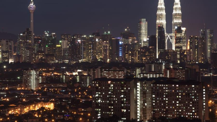 http___cdn.cnn.com_cnnnext_dam_assets_151111131525-kuala-lumpur-skyline
