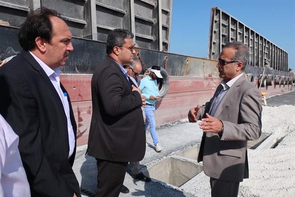 بازدید-سرپرست-معاونت-امورعمرانی-استانداری-بوشهر-از-اسکله-کانتینری-نگین