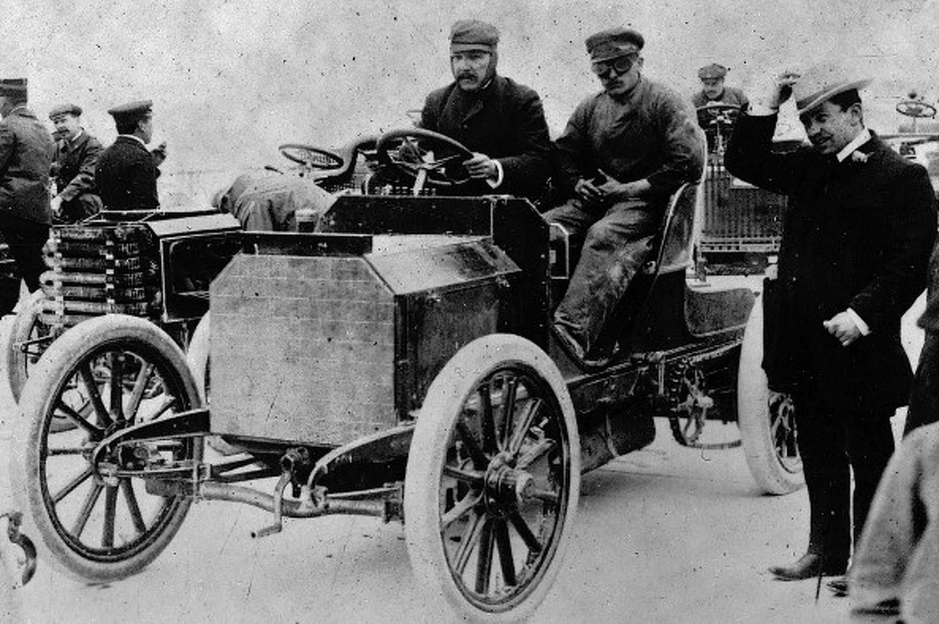 know-your-niche-the-brass-era-of-automobiles