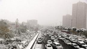 شهردار تهران در شبی که برف و اعتراض به گرانی تهران را قفل کرد، چگونه به خانه برگشت؟