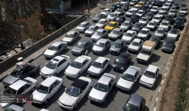 ترافیک شدید درجاده کرج به تهران به بهانه لکه گیری آسفالت!
