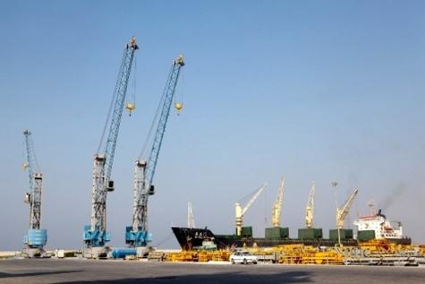 مجتمع بندری پارس برای پهلوگیری بزرگترین کشتیها ظرفیت دارد