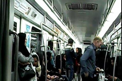 باندهای سازمانیافته در مترو با درآمدهای میلیونی / متولی ساماندهی کیست؟