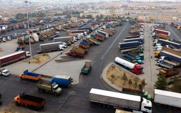 حمل و نقل جادهای خراسان رضوی به کمک سیلزدگان گلستان شتافتند