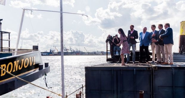 Electric inland vessel christened in Rotterdam