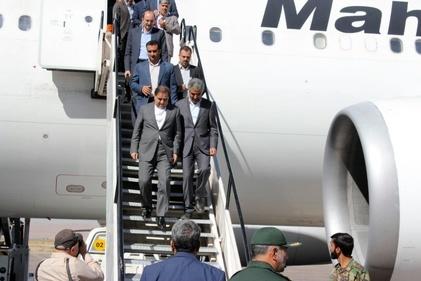 گزارش تصویری بازدید وزیر راه و شهرسازی از فرودگاه کرمان