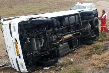 یک کشته در برخورد اتوبوس با نیسان در آزادراه زنجان