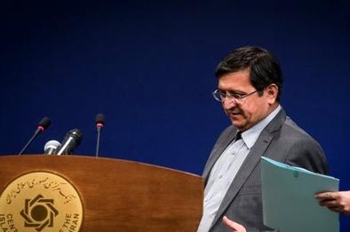 حمله تند رئیس کل بانک مرکزی به خودروسازان