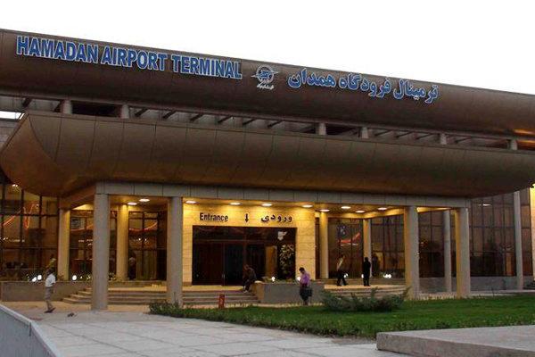 ورود نخستین گروه حاجیان به فرودگاه همدان