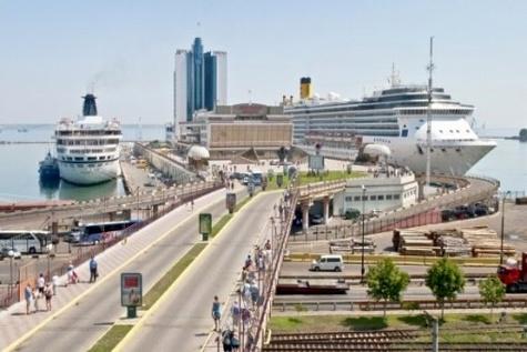 Ukrainian sea ports increased grain handling by almost ۱۰%