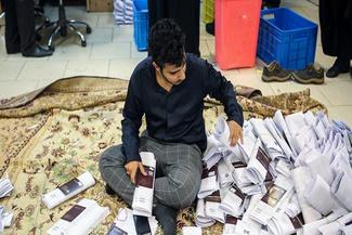 ازدحام در دفاتر مسافرتی برای صدور ویزای اربعین