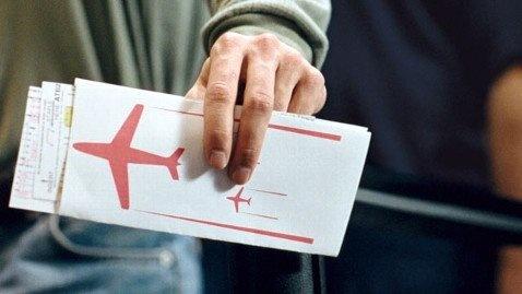 انتقاد نماینده خاش از افزایش بیش از ۶۰ درصدی قیمت بلیت هواپیما