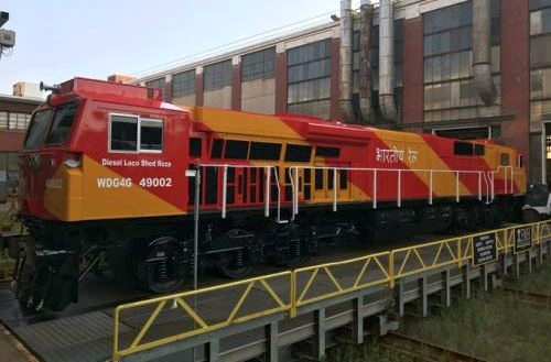 GE rolls out first painted Evolution Series locomotive for
