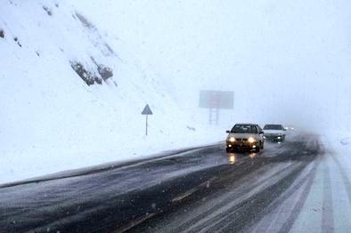 بارش اولین برف پاییزی در گردنه الماس استان اردبیل