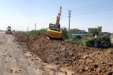 انجام 95 کیلومتر شانه سازی در طول محورهای شهرستان البرز