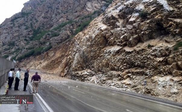 خطر ریزش در جاده زنجان - تهم - چورزق وجود دارد