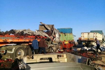 فیلم| تصادف دلخراش کامیونها در ایست و بازرسی شهرضا