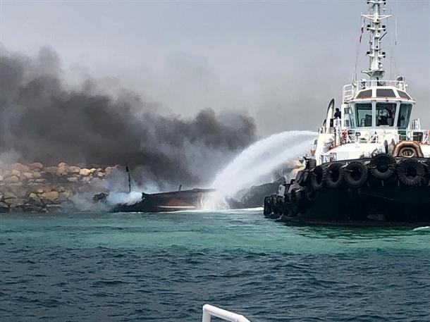 مدیریت بحران حادثه بندر نخل تقی بدون تلفات جانی
