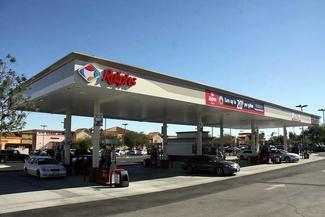 معجزهگری جایگاههای سوخت در فروش بنزین + فیلم