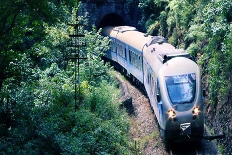 تشریح دلایل تاخیر در اتمام راهآهن قزوین-رشت/ تامین مصالح مورد نیاز تا 10 روز آینده