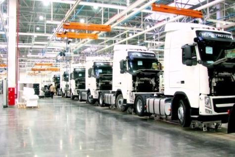 واردات خودروهای سنگین توسط دولتیها تولید را کاهش داد