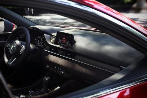 فناوری مزدا برای جلب توجه راننده به مسیر حرکت