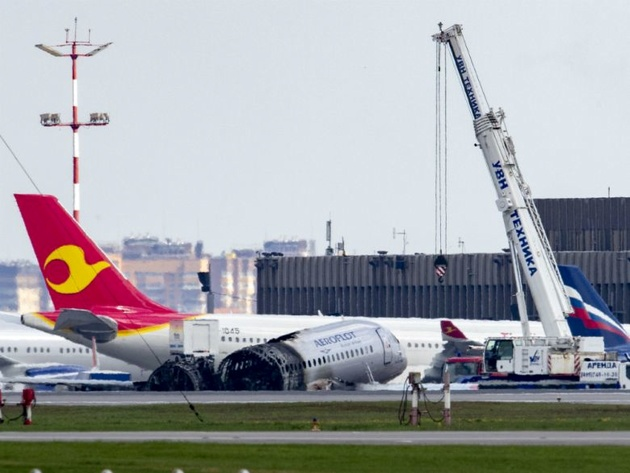 Sukhoi SSJ100 Can Be Grounded only by Aviation Authorities