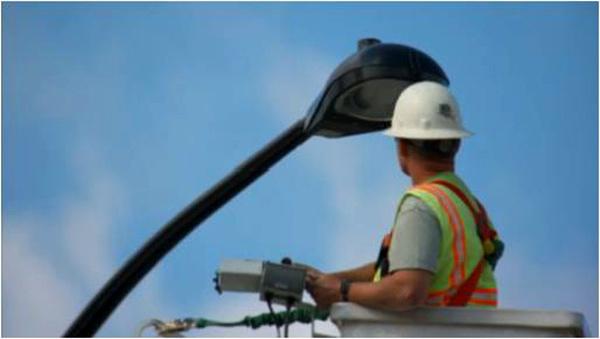 Siemens upgrades Stratos platform and wins LED streetlight retrofit contract in USA