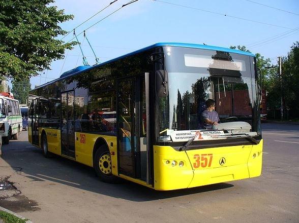 اتوبوس برقی هفته آینده رونمایی می شود