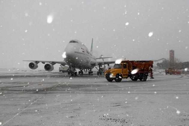 تاخیر دو پرواز به مقصد اردبیل به دلیل بارش برف