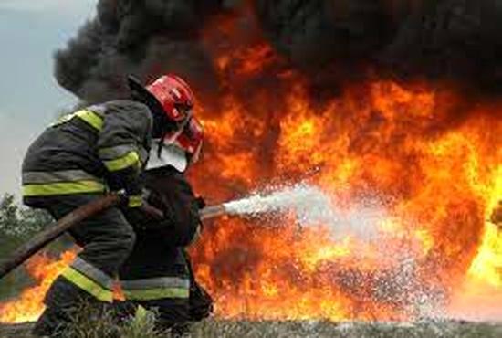 آتش سوزی در پایانه بار امیر کبیر اصفهان