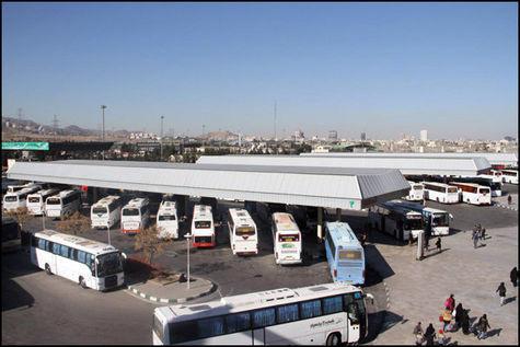 صف طولانی اتوبوسها در پایانه مشهد؛ مشکلی که پس از یکسال حل نشد