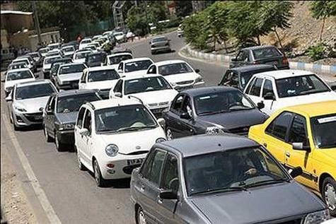 بهبود تردد خودروها با اصلاح شبکه معابر در منطقه دو