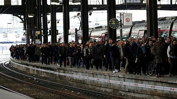 اعتصاب خدمات ریلی فرانسه را مختل کرد