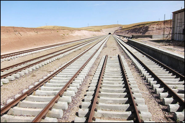 بهرهبرداری از راهآهن اینچهبرون - شاهرود موجب رونق صادرات گلستان میشود