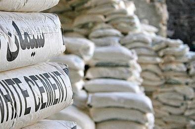 پدر صنعت بتن کشور : ورود سیمان به بورس آسیب زاست