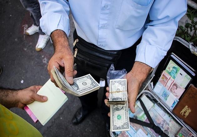 قیمت دلار آزاد ۵۷۰ تومان کمتر از نیما