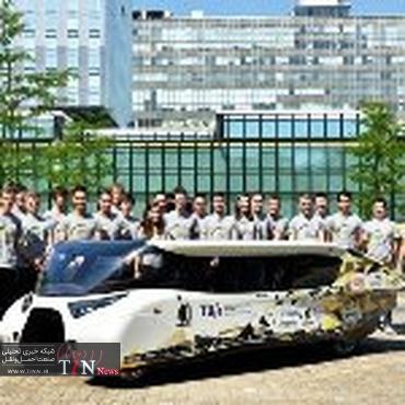 رونمایی از یک خودروی خورشیدی خانوادگی