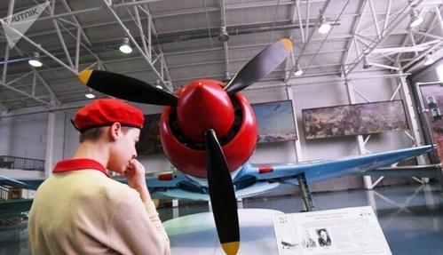 نمایشگاه هواپیماهای جنگی دوران شوروی.jpg8