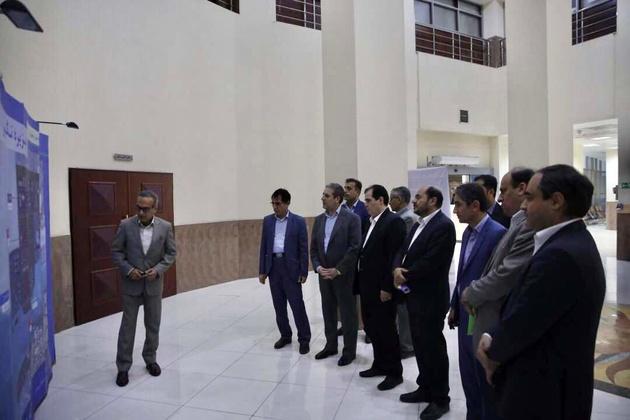 بازدید معاون وزیر کشور از بندر تجاری بوشهر
