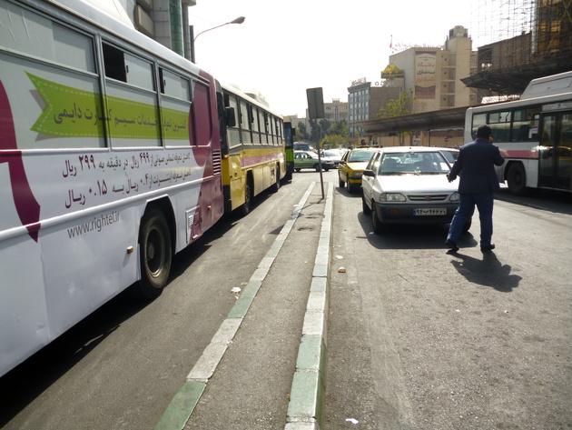 تعریض توقف اتوبوسهای ایستگاه هفت تیر در میدان صادقیه