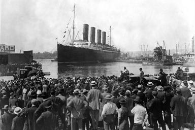 تاریخ سفر: از ساخت کشتی بخار تا سفر به قطب شمال و جنوب