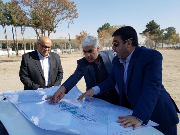 بازدید معاون برنامهریزی و نظارت شرکت فرودگاه ها از پروژه محوطهسازی فرودگاه مشهد