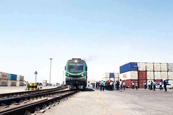 امکان صادرات ریلی از مرز لطف آباد خراسان رضوی به آسیای مرکزی فراهم شد