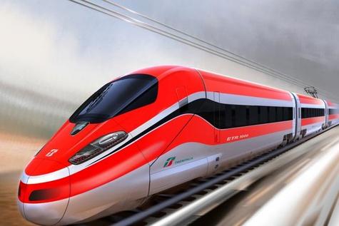 مسابقه هیجان انگیز سرعت بین یک قطار سریع السیر و جت جنگنده