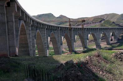 تلاش شرکت ساخت برای اتمام راهآهن قزوین رشت تا پایان تابستان