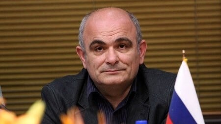 حضور سفیر روسیه در ایران در سفارت اوکراین برای ادای احترام به جانباختگان هواپیما