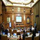 نظر موافقان و مخالفان کاهش سن مدیران شهری در صحن شورا
