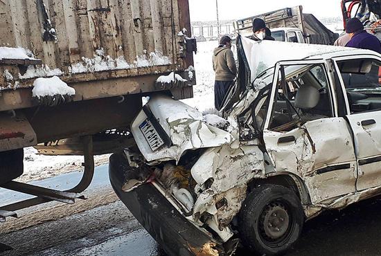 تصاویر| تصادف زنجیرهای ۳۰ خودرو در جاده سبزوار - نیشابور